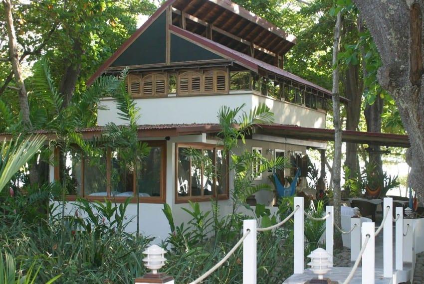 luxury beach front  property costa rica 11